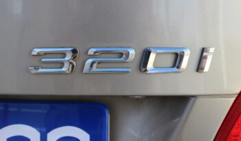 BMW 320i Coupe lleno